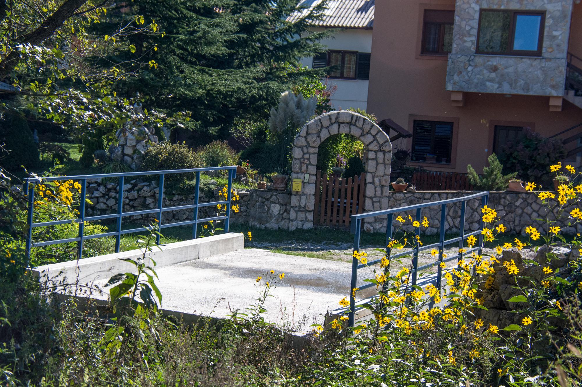 Most u Jelenju - od nikud, nikamo