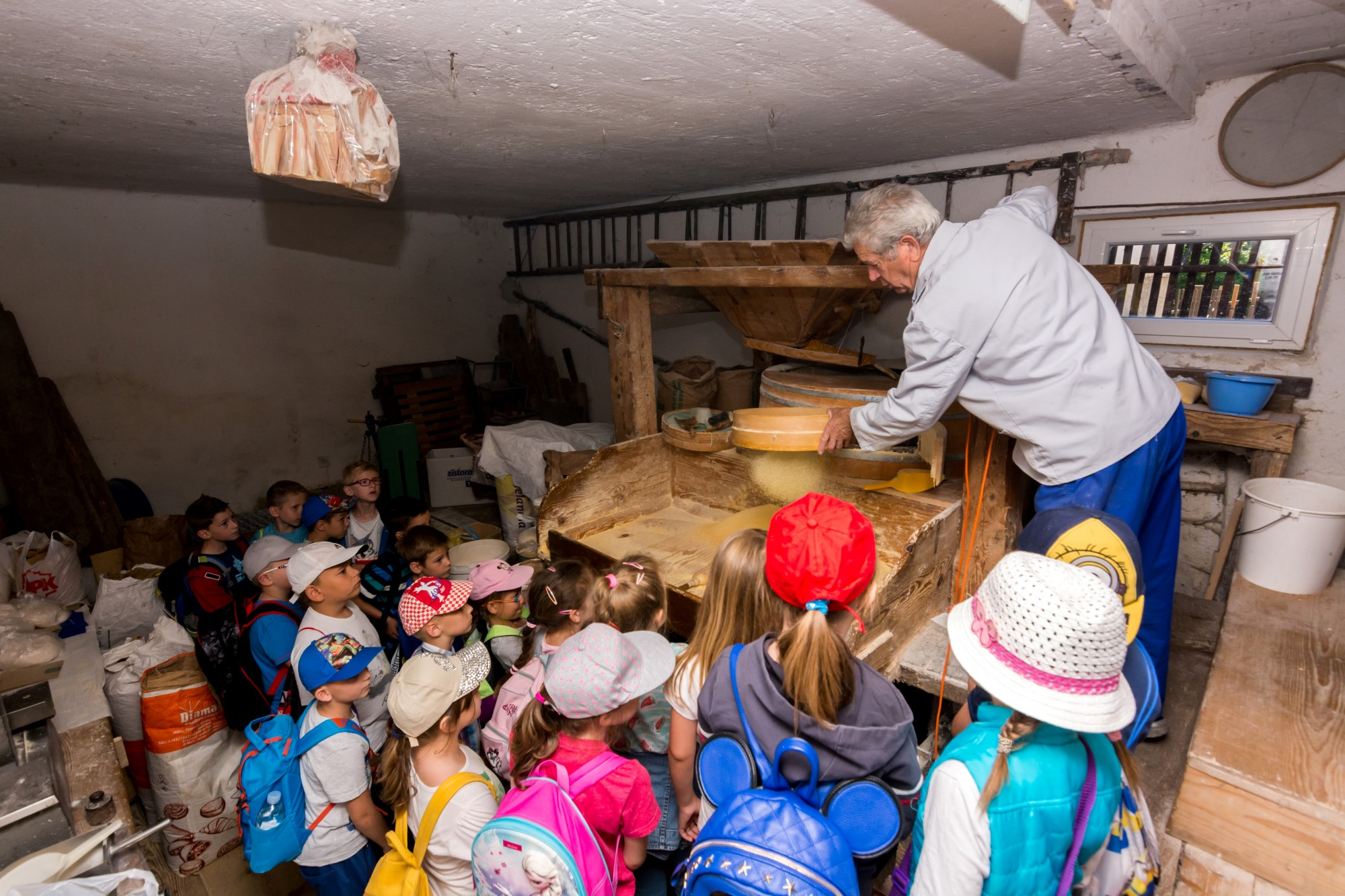 Vrtićarci i školarci posjetili Gašparov mlin u Martinovom selu